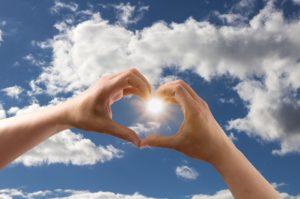 wolken hart hand